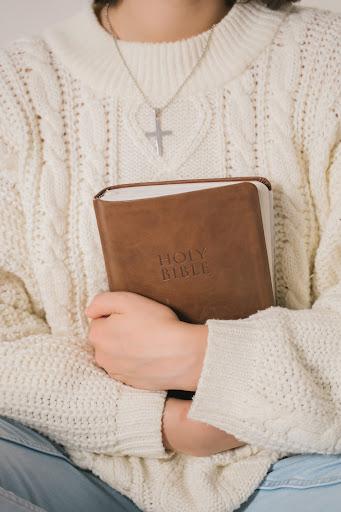 Sherin-Thawer-Inspirational-Bible-Verses-to-Empower-Women